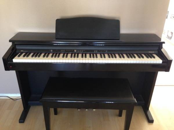 Roland HP-103 Digital Piano